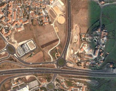 Não existe forma de ir de Porto Salvo para Vila Fria ou daqui para Paço D'Arcos a pé